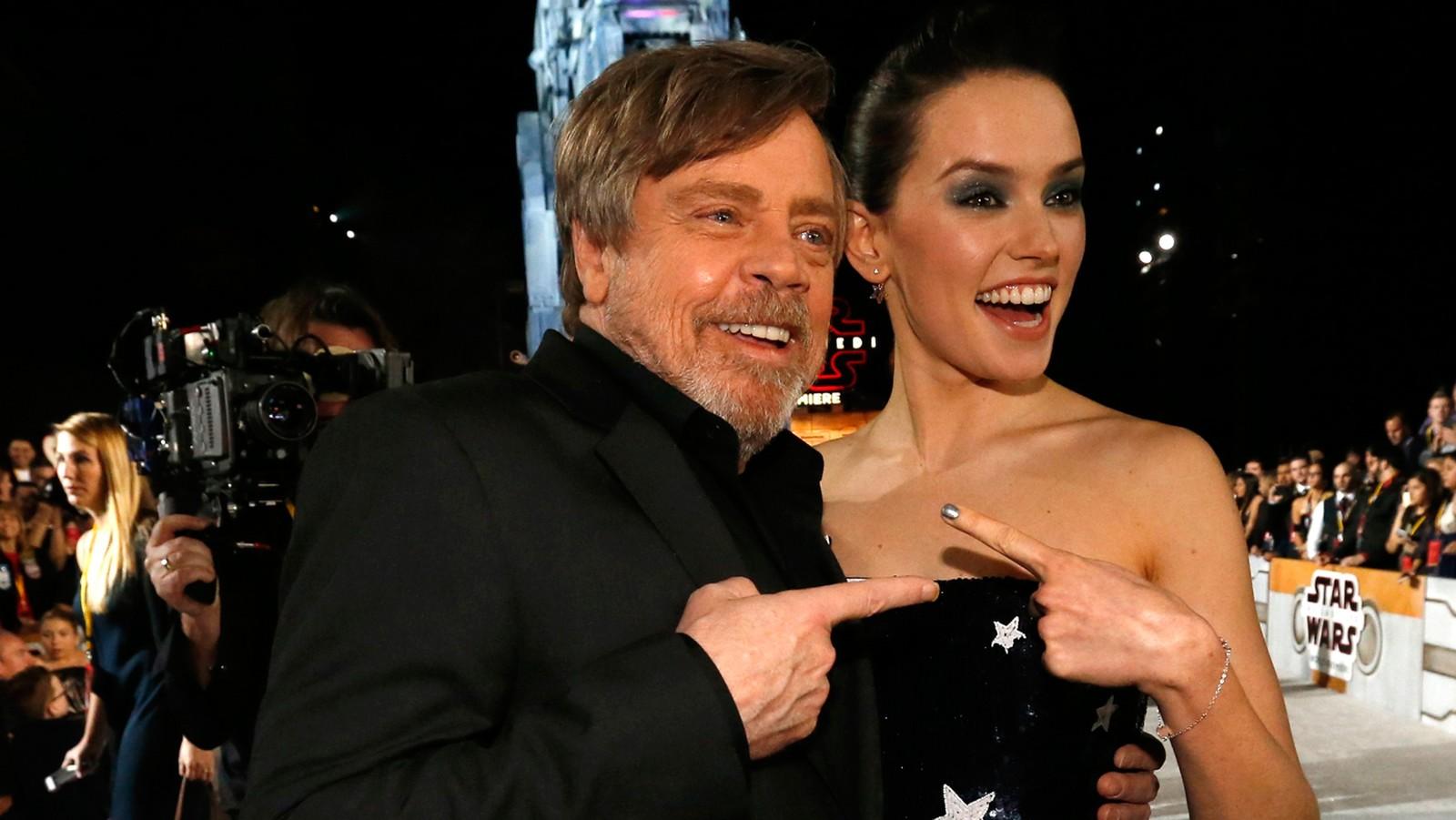 Elenco de 'Star Wars: Os Últimos Jedi' se reúne para…