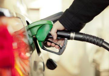 Gasolina terá segundo aumento do mês neste sábado