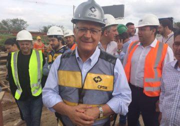 Alckmin promete entregar linha que liga SP ao aeroporto de Cumbica até o início de abril