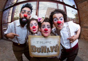 """Trupe DuNavô apresenta """"O Livro do Mundo Inteiro"""" e """"É mesmo uma Palhaçada"""" na Virada Cultural"""
