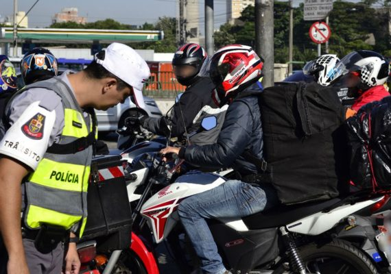 Motos estão proibidas na expressa da Marginal Pinheiros a partir de amanhã