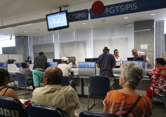 Após liberar FGTS, Caixa registra 12 milhões de transações