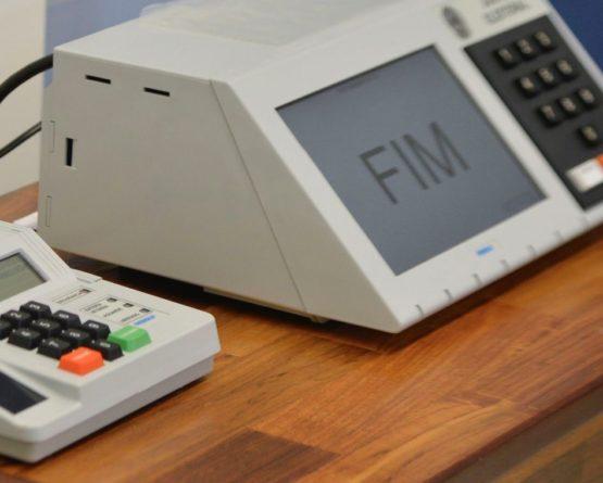 Bolsonaro quer propor mudança no sistema eleitoral
