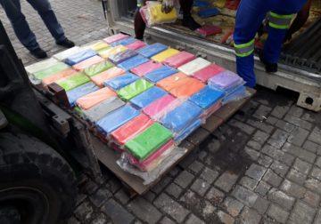 Receita e PF fazem nova apreensão de cocaína no Porto de Santos