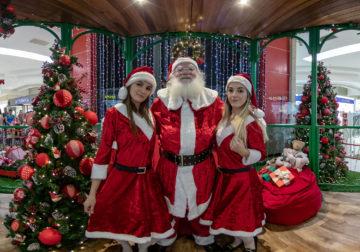 Decoração, brincadeiras e Papai Noel gigante no Shopping União