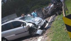 Mulher morre e homem fica ferido em acidente na Raposo