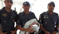 Grávida ia de ônibus dar a luz, mas criança nasceu…