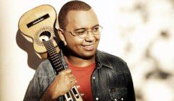 Dudu Nobre celebra 20 anos de carreira com clássicos do…