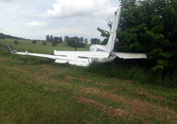 Pouso mal sucedido leva polícia a carregamento de droga em avião