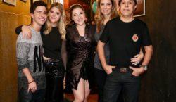 Tom Cavalcante prestigia lançamento de clipe da JOLT