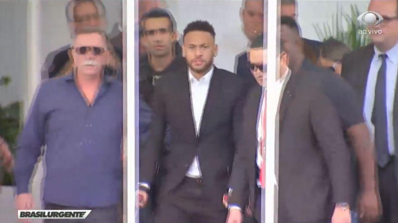 Neymar durante depoimento em São Paulo, em Julho (TV Band/Reprodução)