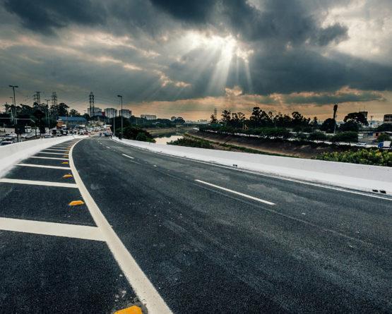 Ponte na Marginal Tietê é liberada para veículos