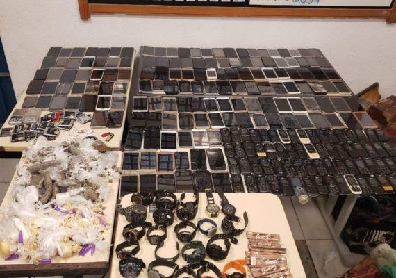 Mais de 200 celulares são apreendidos em presídio