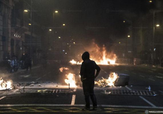 Protestos na Espanha fecham aeroporto e deixam feridos