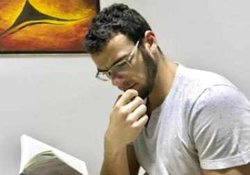 Escritor aposta na diversificação da leitura para entender o mundo