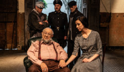 Mamberti celebra 80 anos em peça sobre o Holocausto