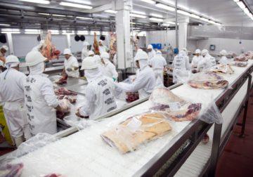 Carne puxa inflação e preços têm maior alta desde 2015