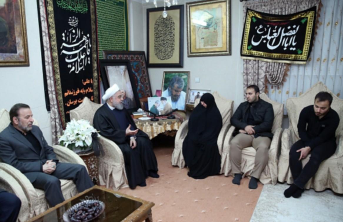 Hassan Rouhani, presidente do Irã, visita família do general Qasem Soleimani, morto em ataque dos Estados Unidos, no Iraque (Presidência do Irã/Fotos Públicas)