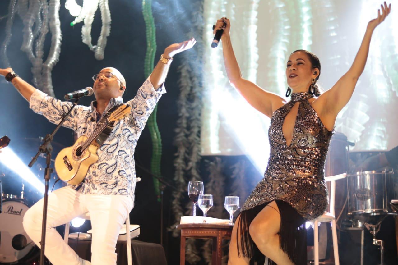Dudu Nobre e Carla Rios se apresentam no Bar Bahma, na República (Divulgação)
