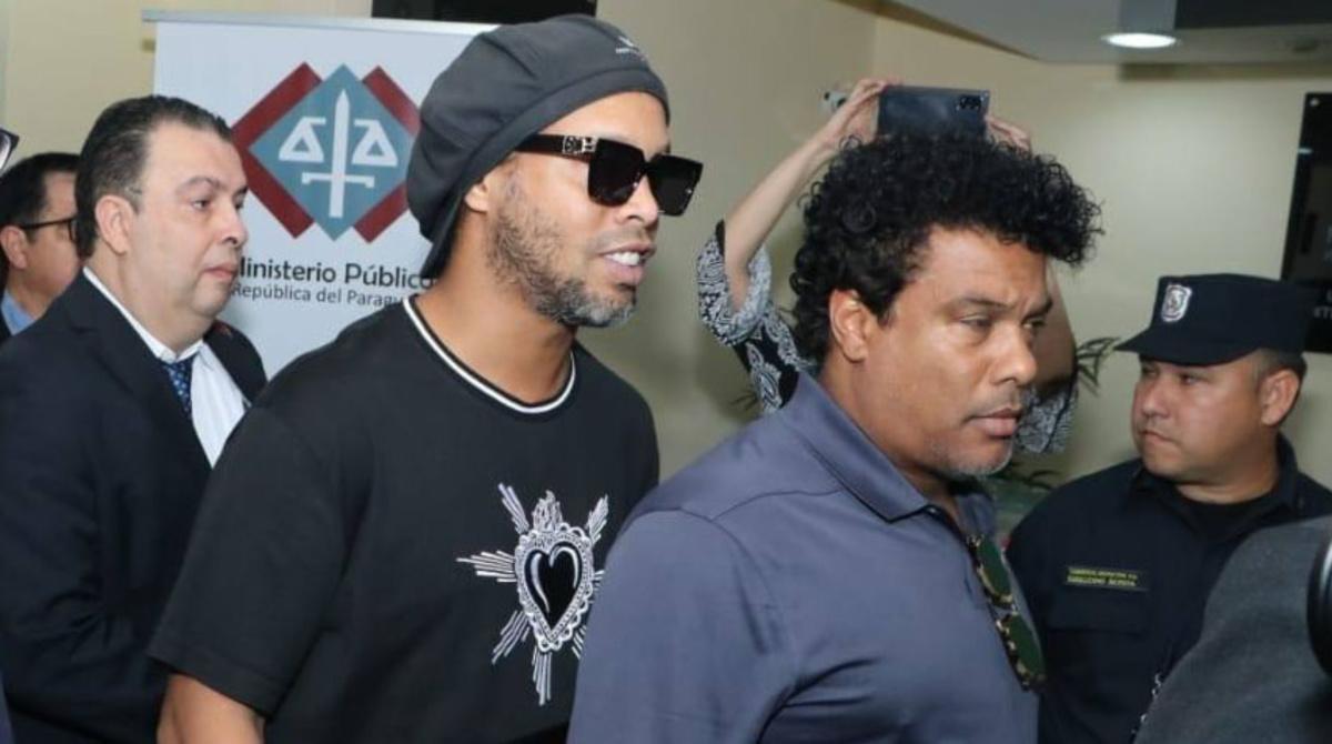 Ronaldinho Gaúcho e o irmão Assis (MP-Paraguai/Fotos Públicas)