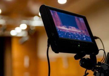 Teleconferência ganha popularidade na internet