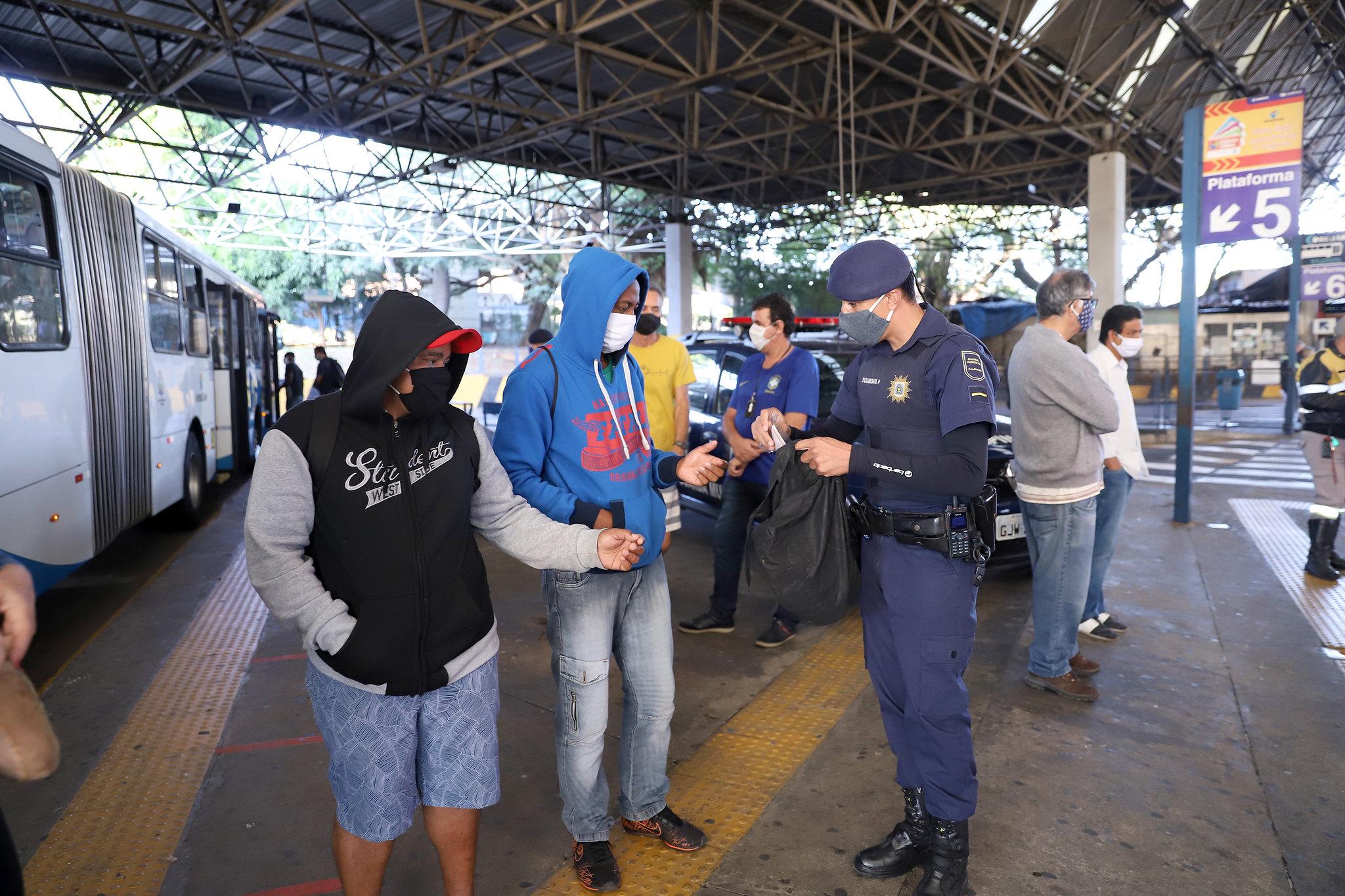 Medida vai valer a partir do dia 7; punição será estabelecida pelas prefeituras (Fernanda Sunega/Fotos Publicas)