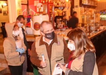 Jean Gorinchteyn, secretário Estadual de Saúde participa de blitz em bares da Capital (Gov. do Estado de SP/via Fotos Públicas)