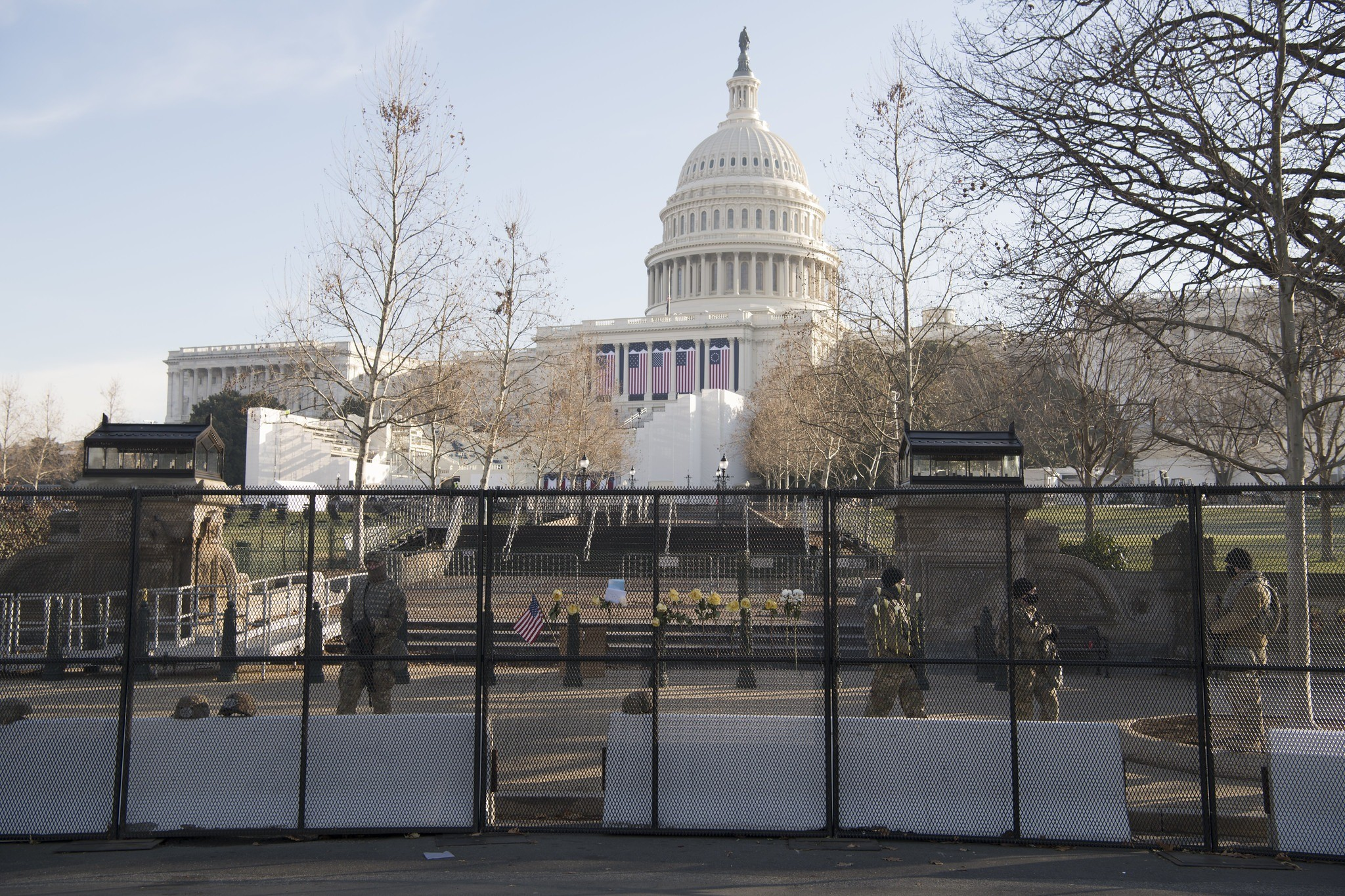 Guardas fazem segurança da Câmara dos Representantes, o Capitólio americano (Bryan Myhr/Guarda Nacional dos EUA/via Fotos Públicas)