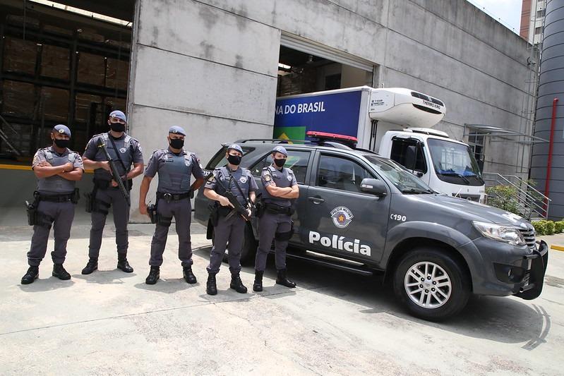 Polícia Militar escolta carregamentos de vacina (Gov. do Estado de SP)