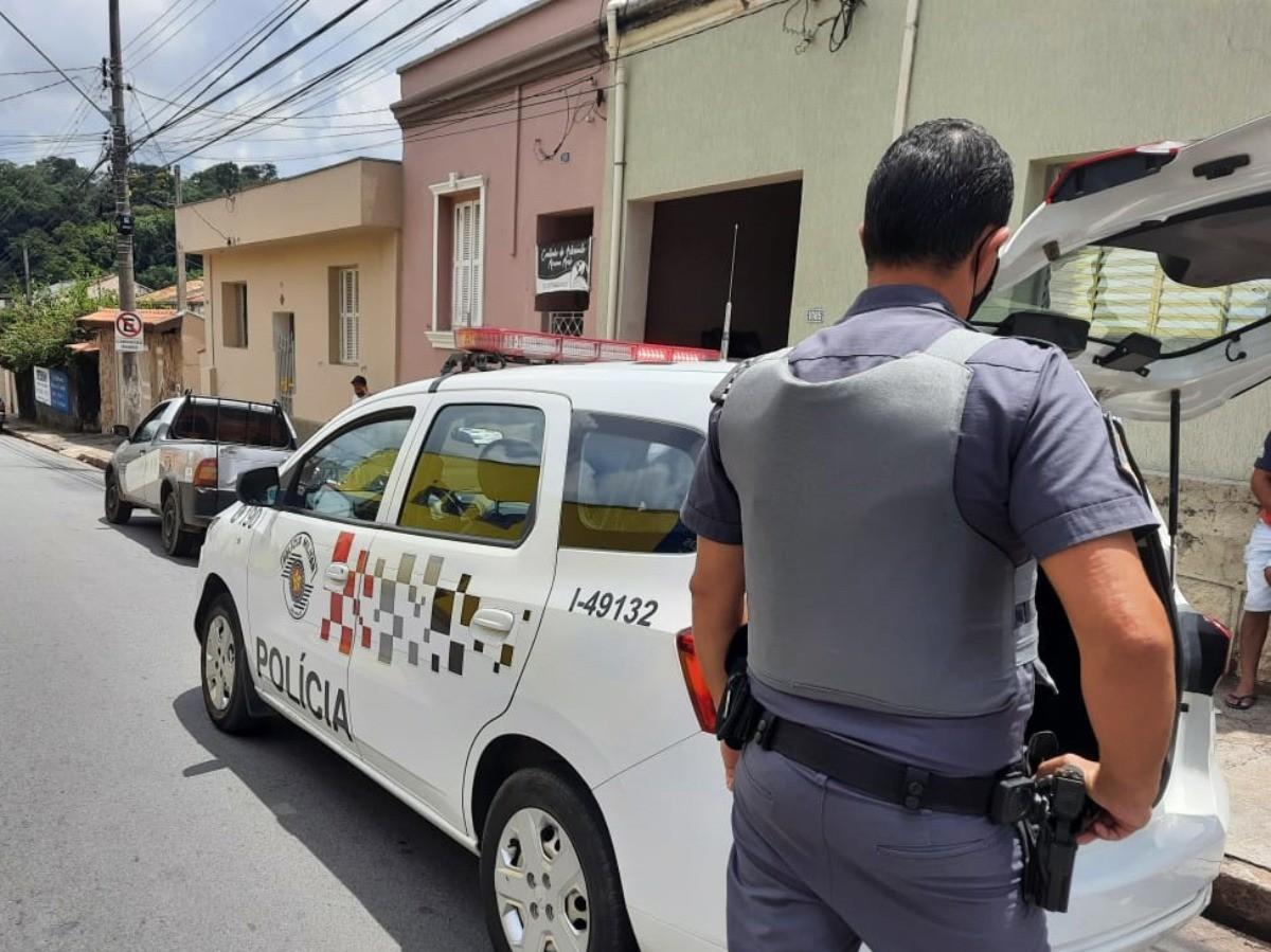 Policiais recuperaram os botijões furtados (Reprodução)