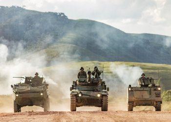 Tanques da Marinha durante exercício militar (Arquivo/Rede Social/Reprodução)