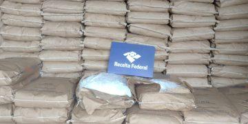 Três sacos eram usados para transportar a droga (Receita Federal)